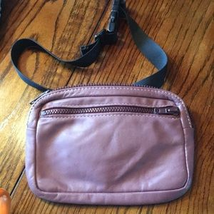Handbags - Rose leather fanny pack